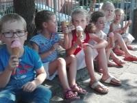 Foto bij ijsje eten